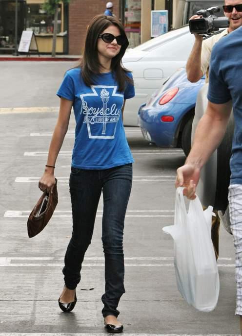 selena gomez underwear pictures. Selena Gomez dined at Du-Par#39;s