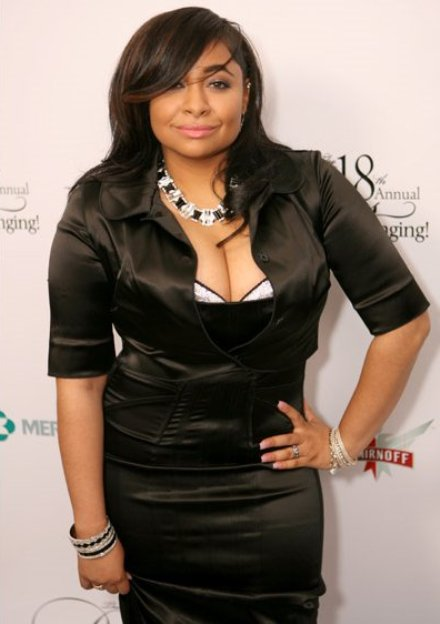 Former Cheetah Girl Raven Symone flaunted her ample cleavage in a form ...